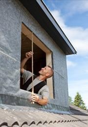 Placer une lucarne de toit: infos sur les matériaux, prix, conseils