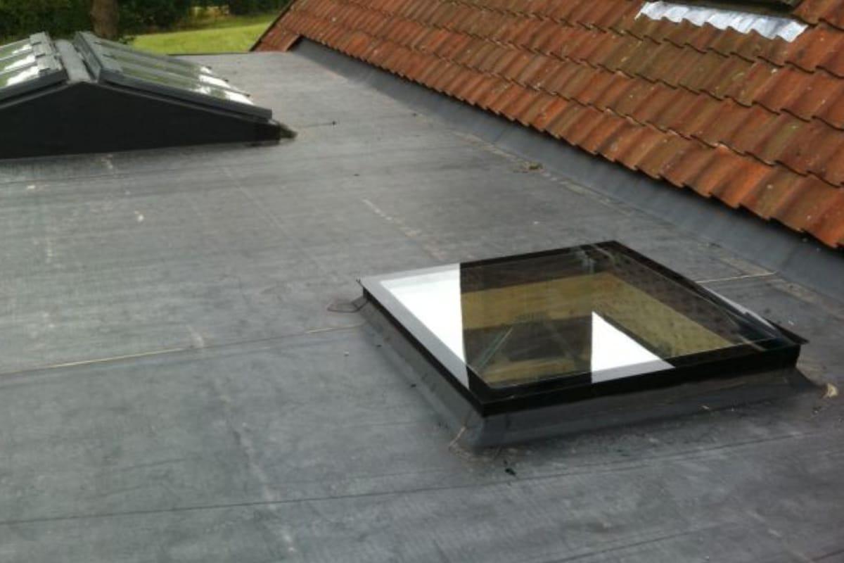 Coupoles de toit prix mat riaux placement toiture for Toiture plate prix