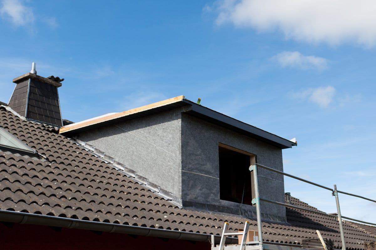 lucarne de toit chez rénovation de toiture