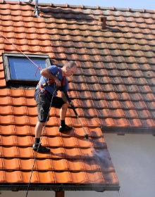 nettoyage de toiture couvreur